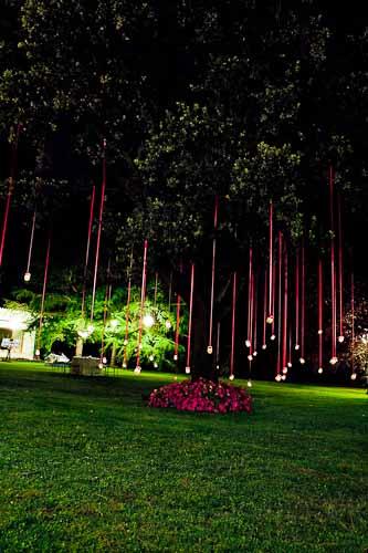 decoración para bodas en jardín de noche