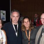 Elena y Lola un año más ayudando en la organización de Madrid Fusión