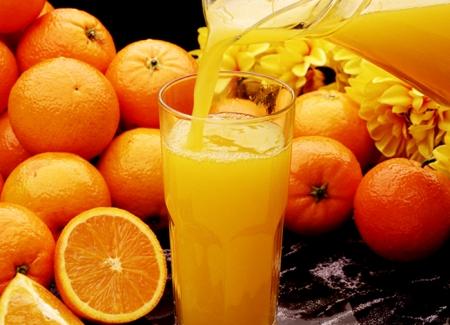 desayuno para empresa con zumo de naranja natural