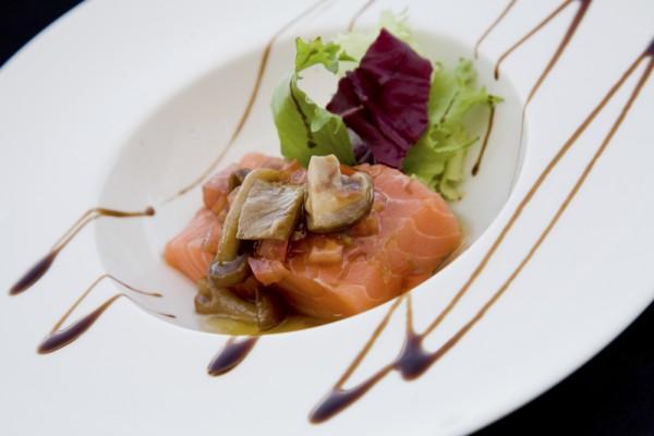 Salmon laurel catering