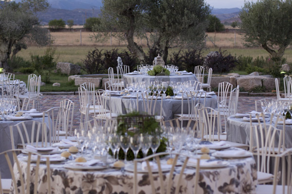 montaje mesas laurel catering
