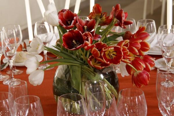 Flores tulipan naranja