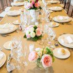 Centros de mesa y mantelerías para boda: las mejores combinaciones