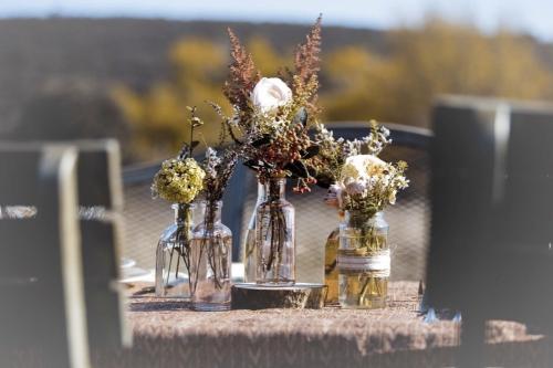 decoración mesa laurel catering
