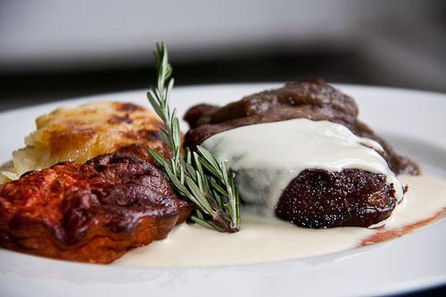 solomillo con salsas idiazabal y trufa