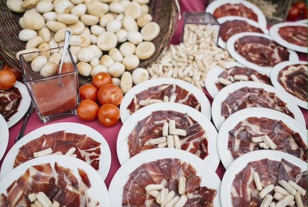 bodegon jamon laurel catering