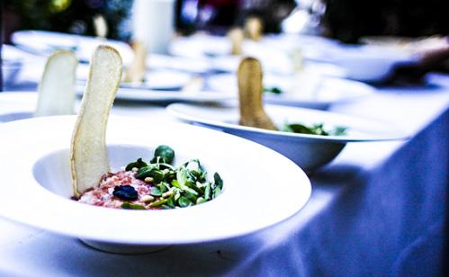 tartar de salmón laurel catering