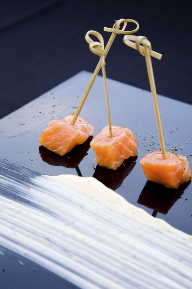 salmón aperitivo laurel